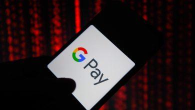 يبدو Google Pay الجديد وكأنه تطبيق دردشة فهو يعرض قائمة جهات الاتصال