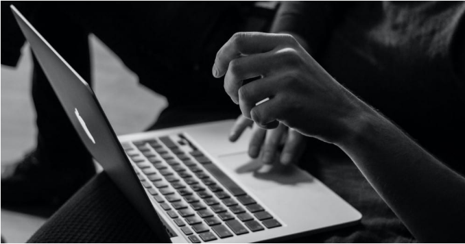 ما هو Mission Control على Mac وما الغرض منه؟